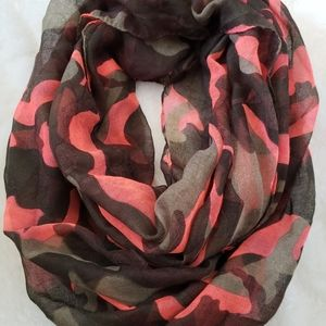 2/$15 🔥HOST PICK 🔥 Spring Infinity scarf camo